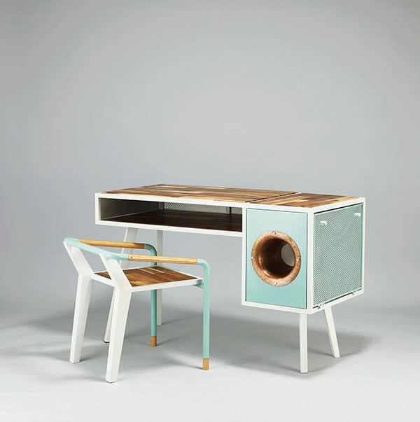 Soundbox - Desk by Jina U