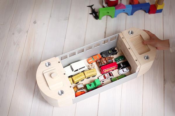ROLLARK - Children's Green Toy by István Policsányi