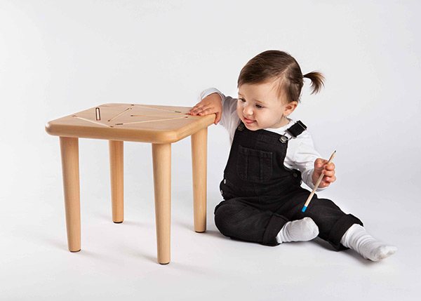 Sit and Sketch for Kids   Yanko Design: http://www.yankodesign.com/2014/10/08/sit-and-sketch-for-kids/