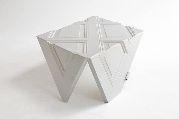 Origami 9010 Door by Yoraco González