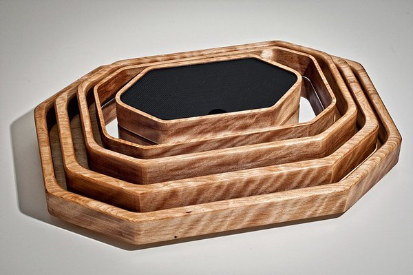 Offset Trays and Boxes by Jonathan Dorthe