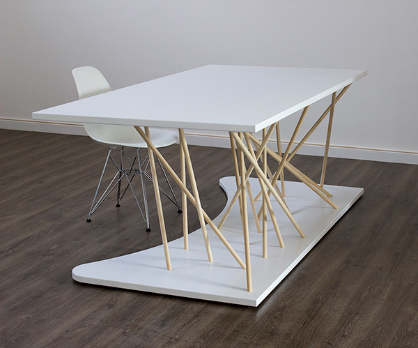 Ishi Desk by Amitrani
