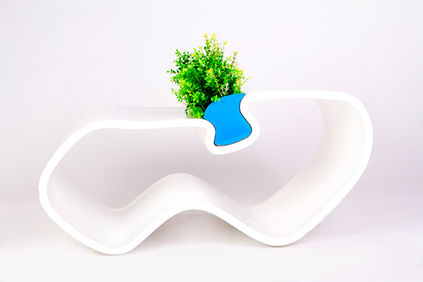 Plame Coffee Table by Jaime Andres Quinapallo Salcedo