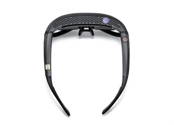 Maximising your MINI experience - image mini_augmented_goggles_3 on http://bestdesignews.com