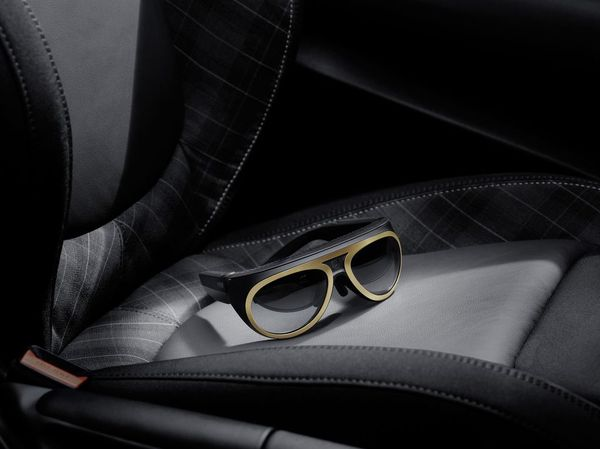 Maximising your MINI experience - image mini_augmented_goggles_6 on http://bestdesignews.com