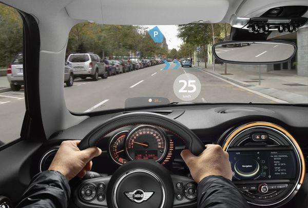 Maximising your MINI experience - image mini_augmented_goggles_7 on http://bestdesignews.com