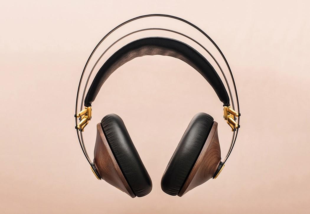 99classics_headphones_2