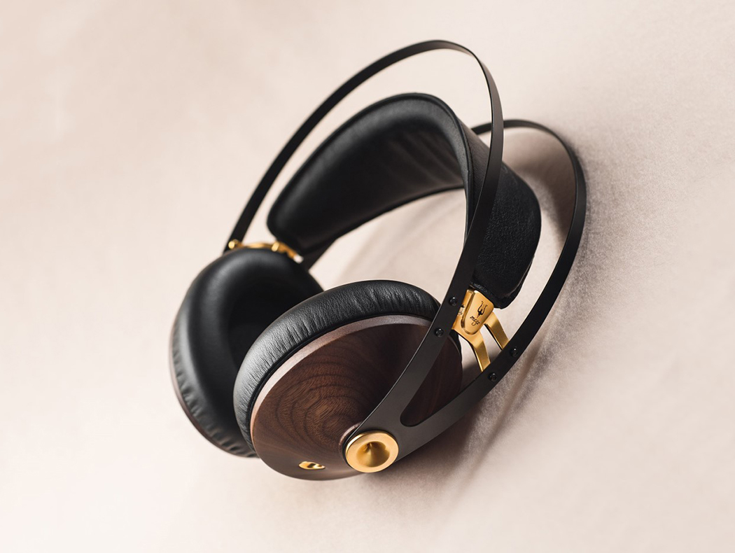 99classics_headphones_4