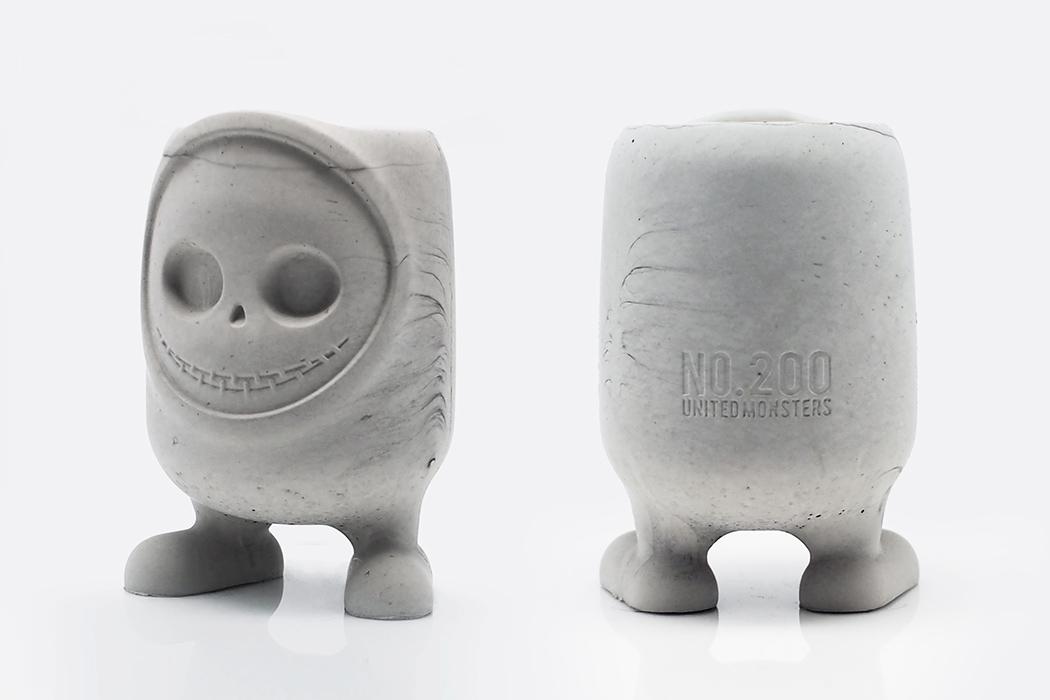 UM200_02