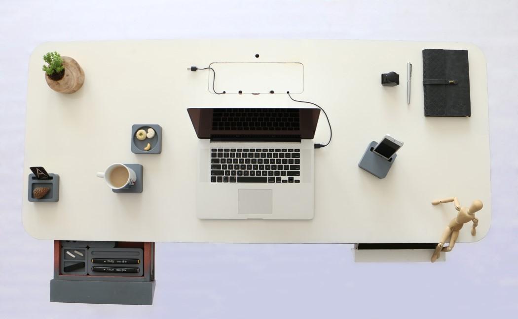 antro_desk_5