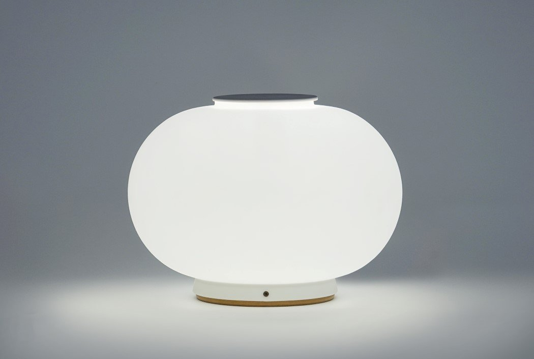Most designers create products that make you go wow. Something that showcases the designer\u0027s talents or skill-set. However that\u0027s completely different ... & A-RO-matic Lamp! | Yanko Design