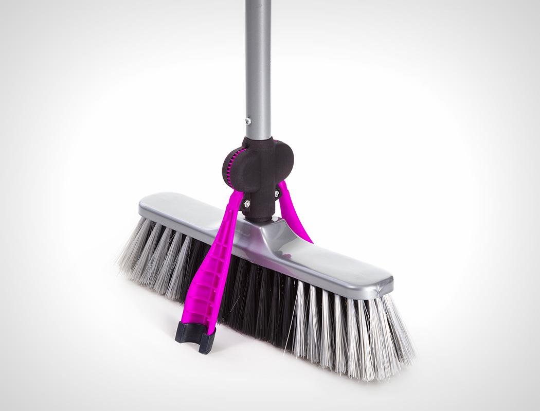 selfie_broom_1