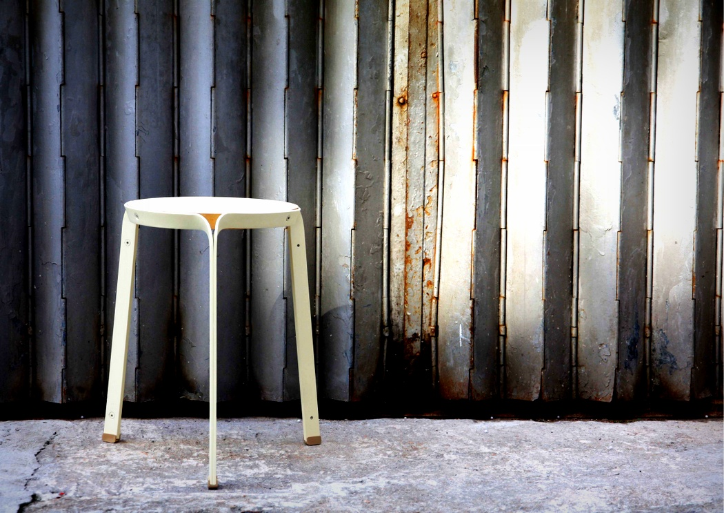 dong_stool_2