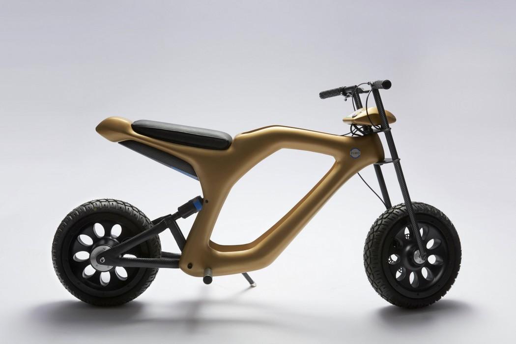 golden_moped_3