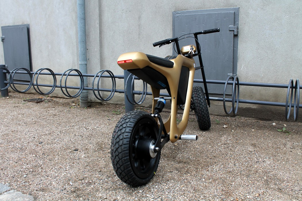 golden_moped_5