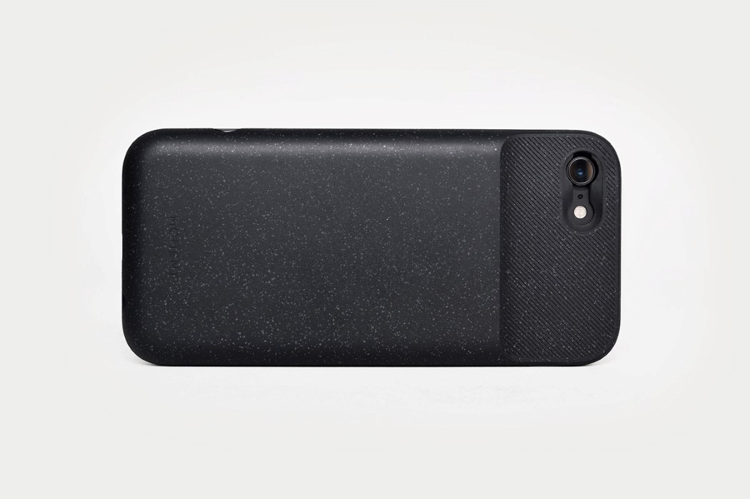 moment_batterycase_15
