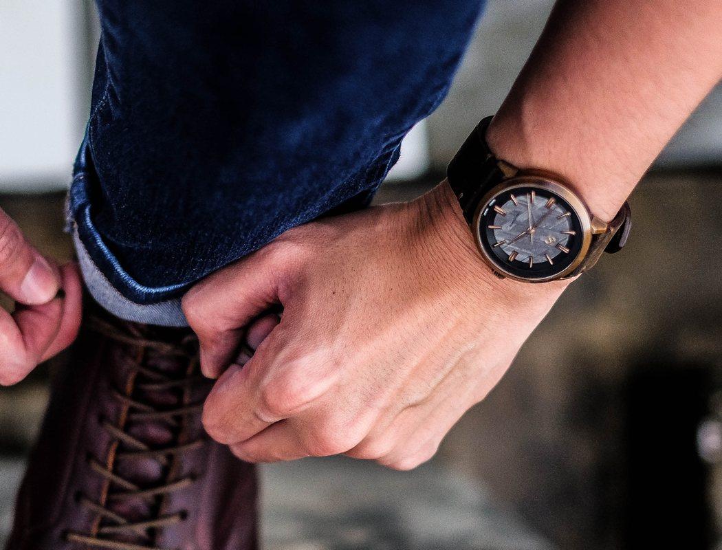 zelos_watch_01