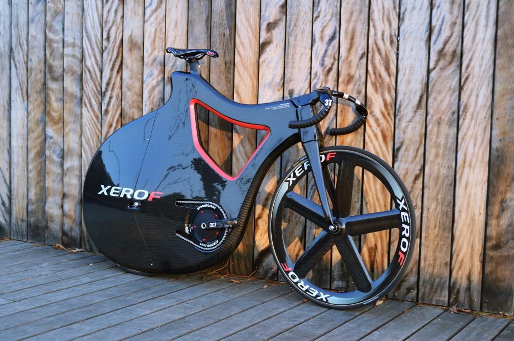 pluma_track_bike_1