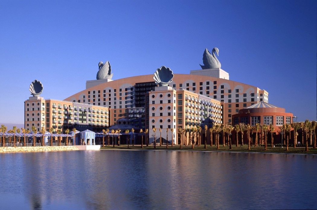 disney_world_hotel_2