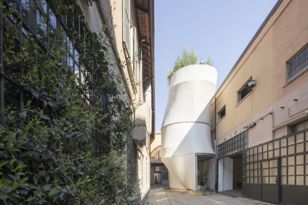 People Who Live In Fabric Houses Yanko Design