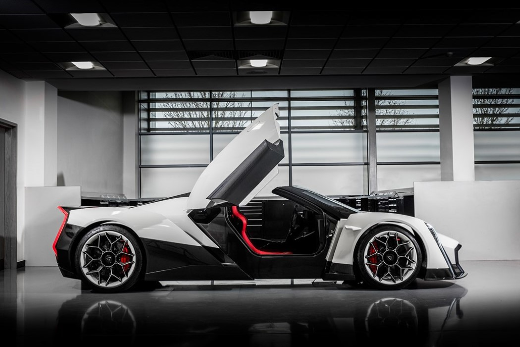 electric_hypercar_5