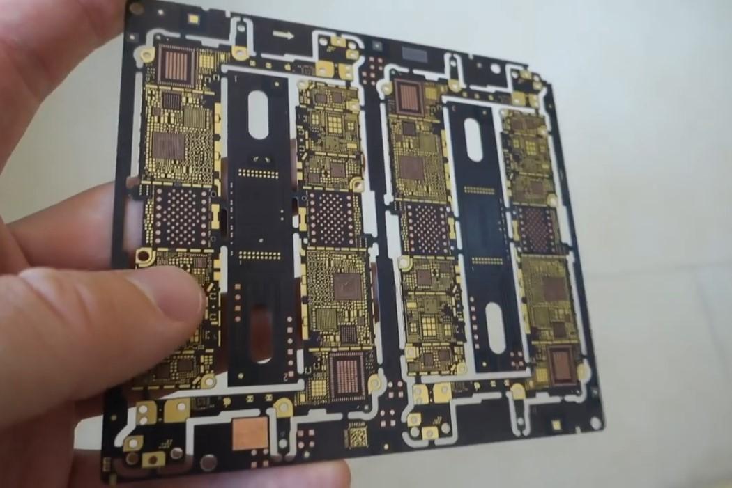 building_iphone_4