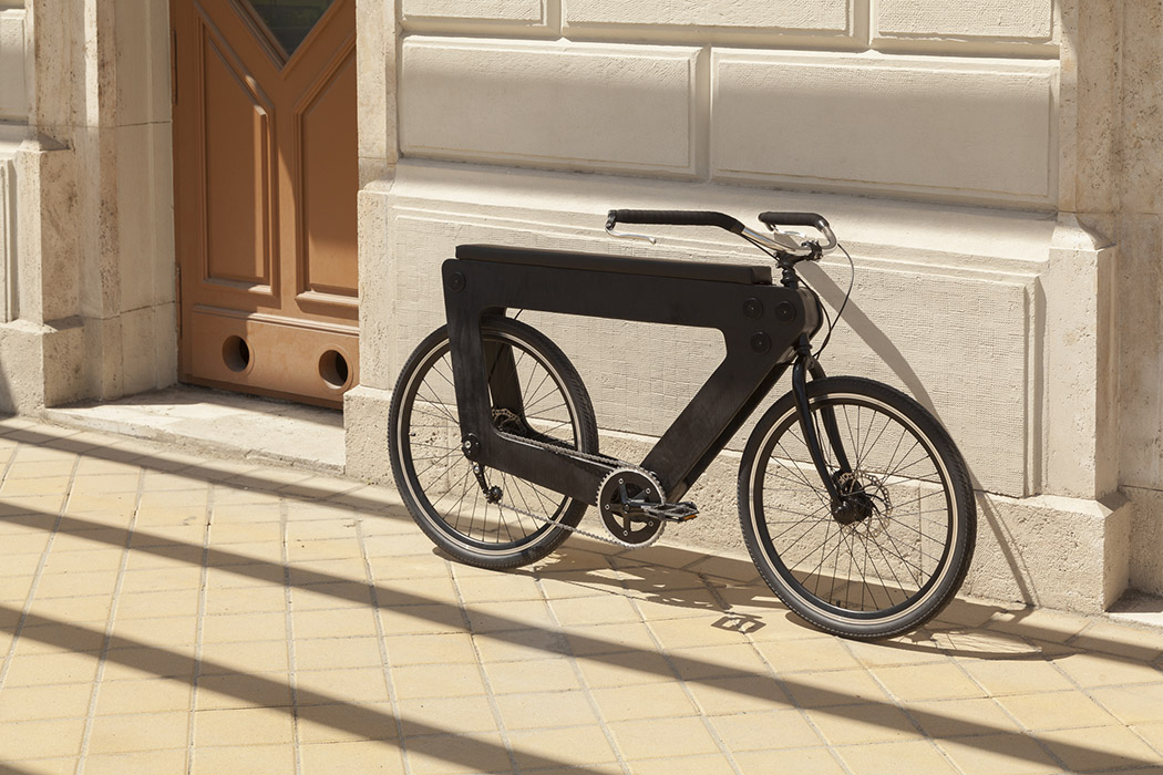 Donu0027t Be Deceived By Its Seeming Bulkiness, The REVO Bike Is Actually  Composed Of A Minimal Combination Of 3D Printed Plastic, Wooden And Steel  Materials ...