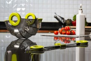 Contemporary collapsible colander
