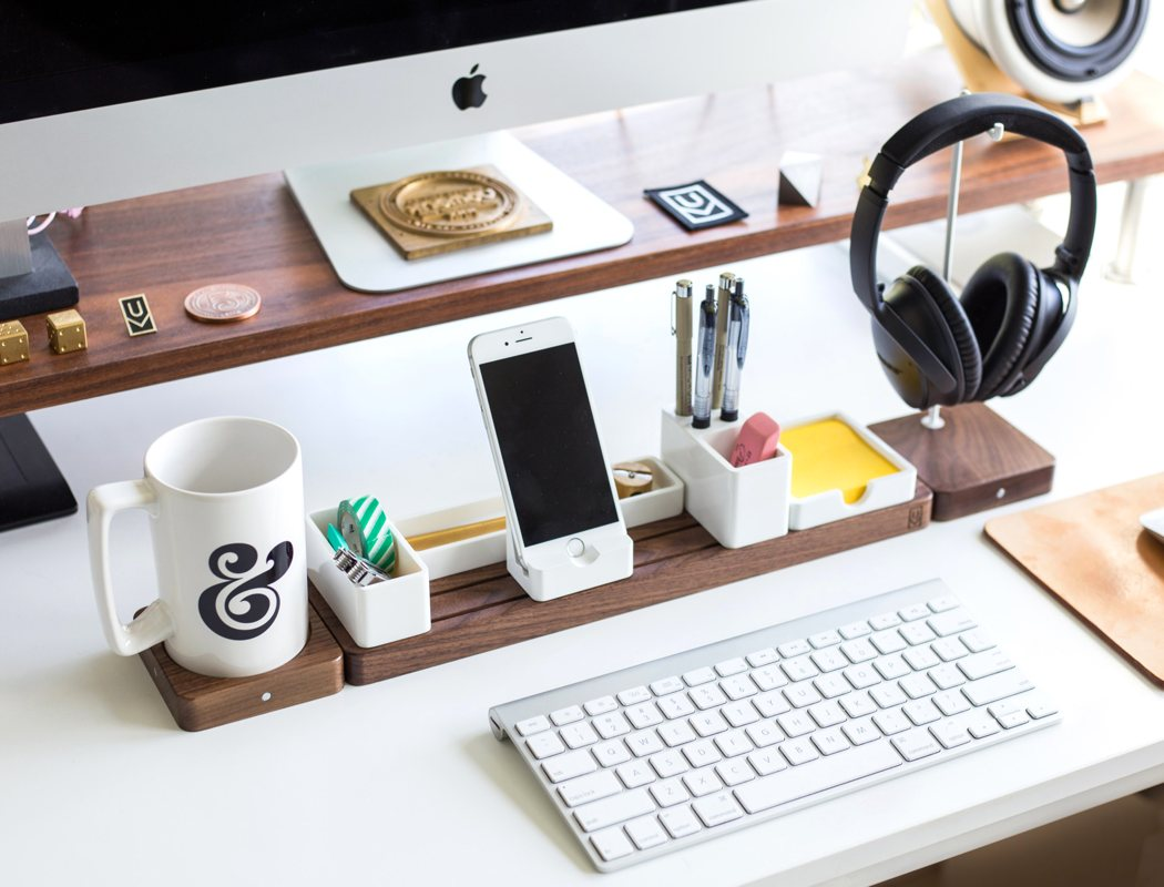 gather_desk_1