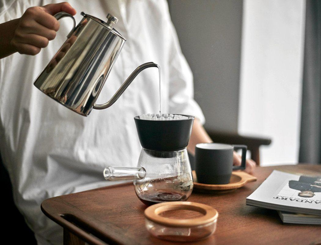 jia_hand_drip_coffee_01
