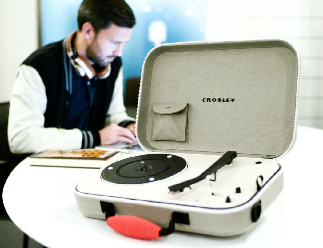 crosley_messenger_2
