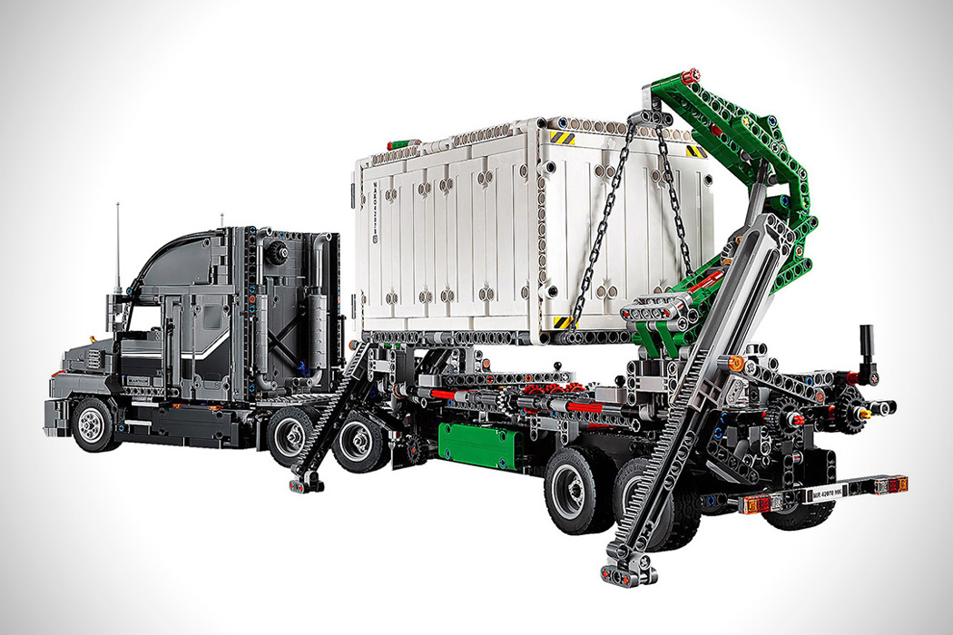 lego_technic_2_in_1_mack_truck_03