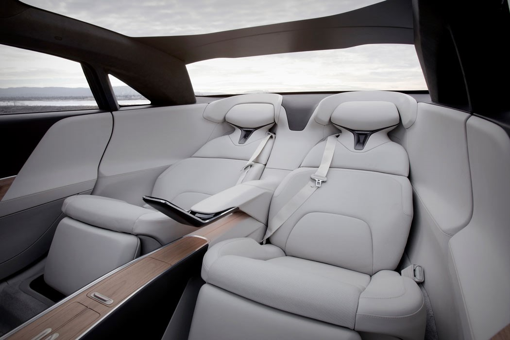 lucid_air_interior_05