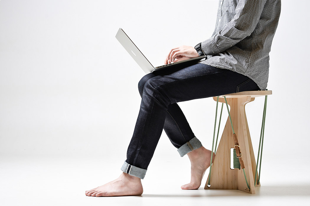 connected_stool_01