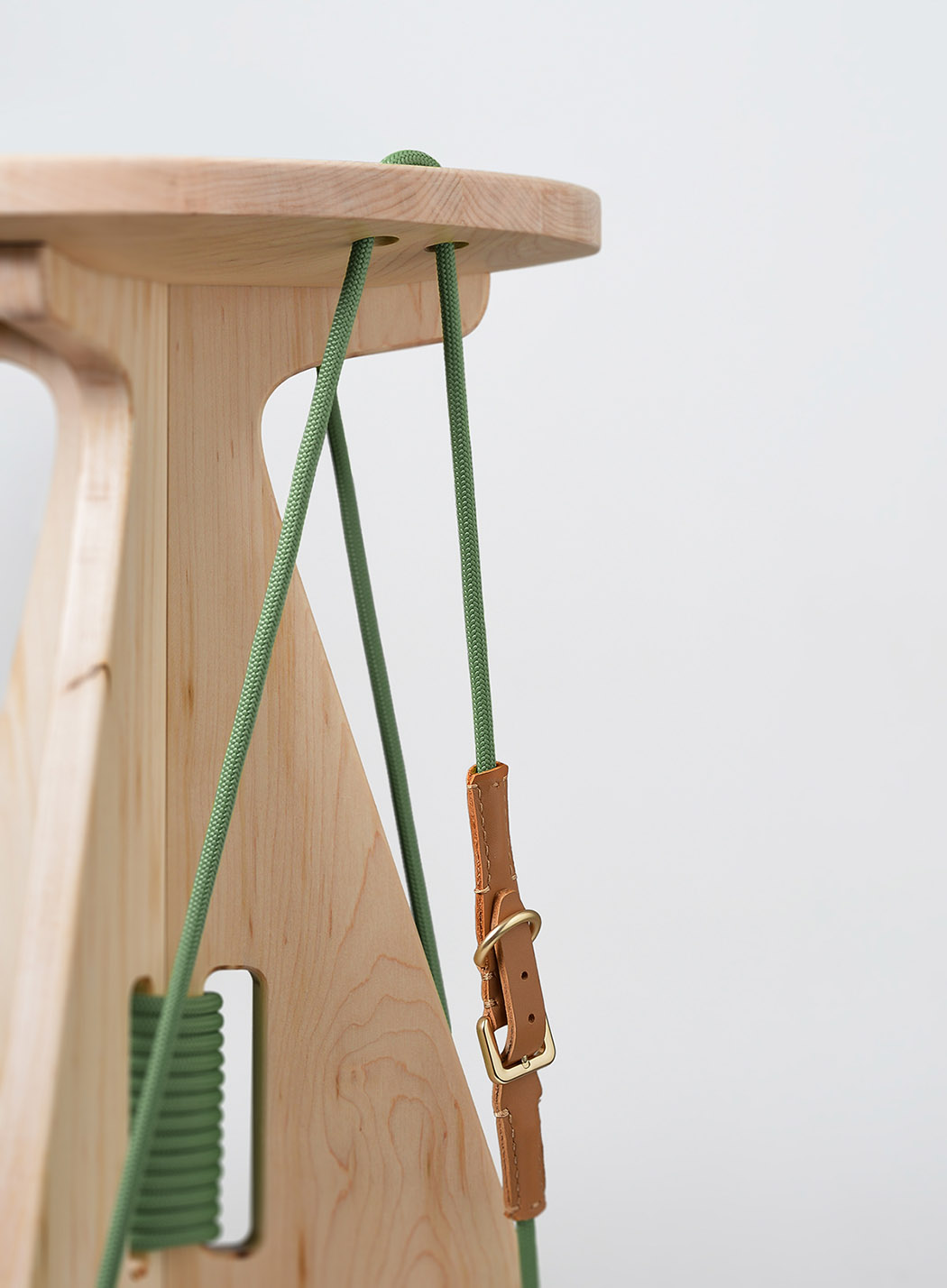 connected_stool_02