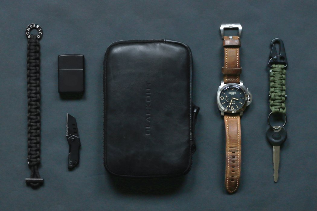 faraday_pocket_and_pouch_01