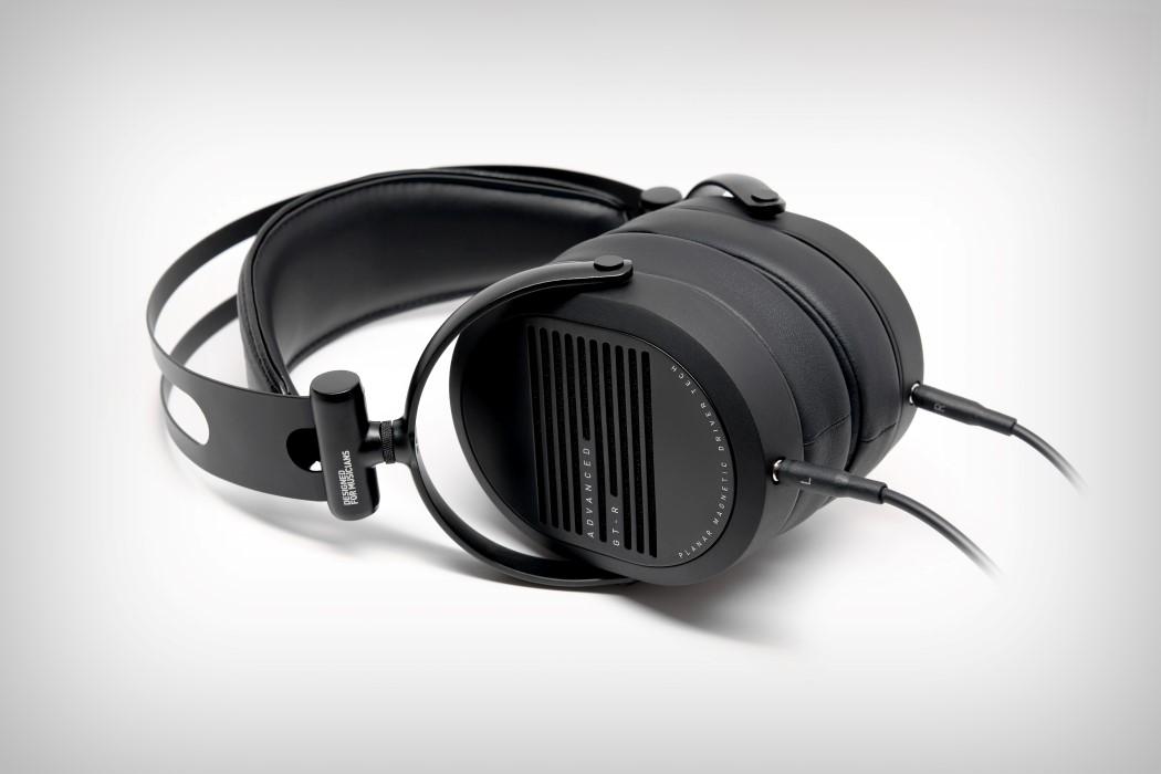 adv_gtr_headphones_11