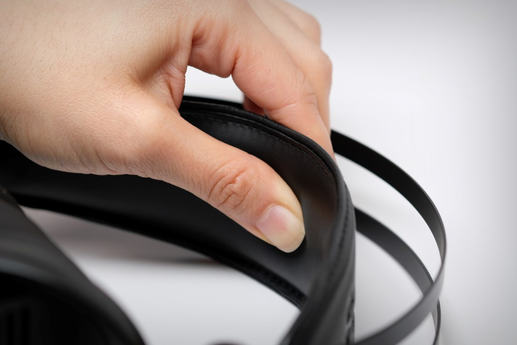 adv_gtr_headphones_13