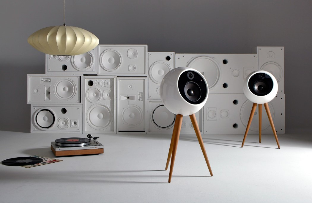 audio that s out of this world yanko design. Black Bedroom Furniture Sets. Home Design Ideas