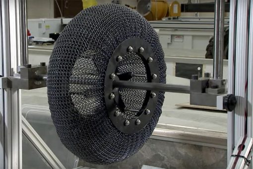 nasa_lunar_tire_03