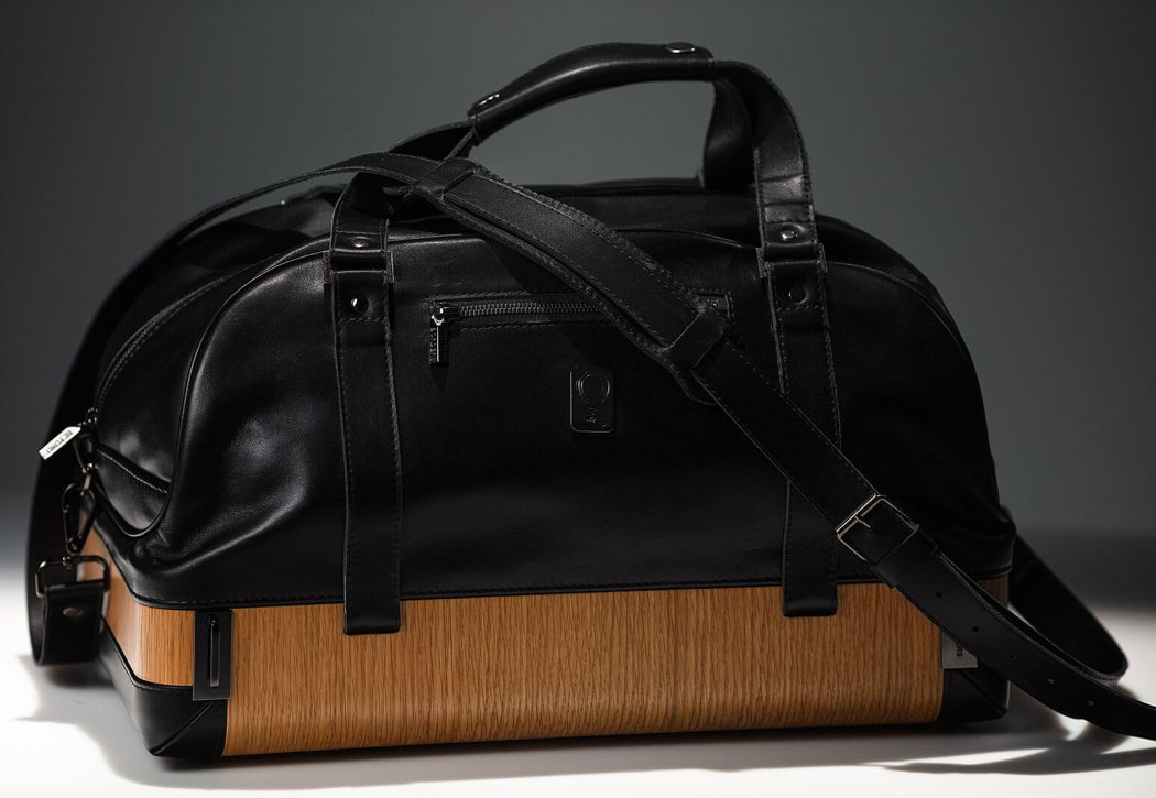 beyond_border_holdall_bag_3