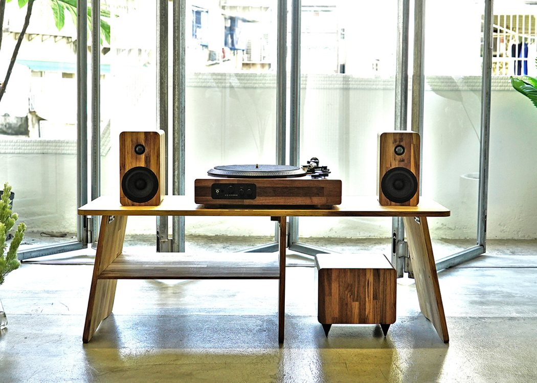 tt8_wooden_turntable_03
