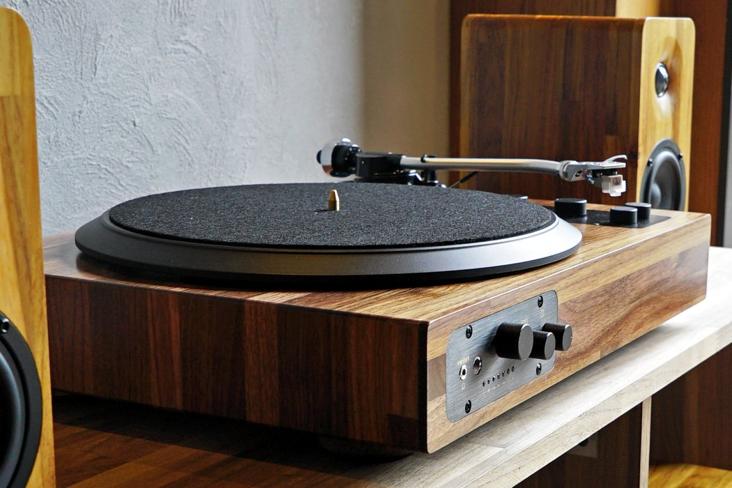 tt8_wooden_turntable_09