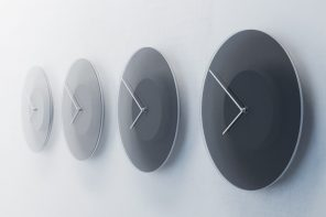 A Clock that Changes Like the Sky