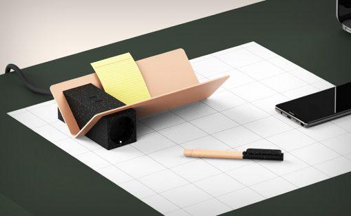 lay_desk_1