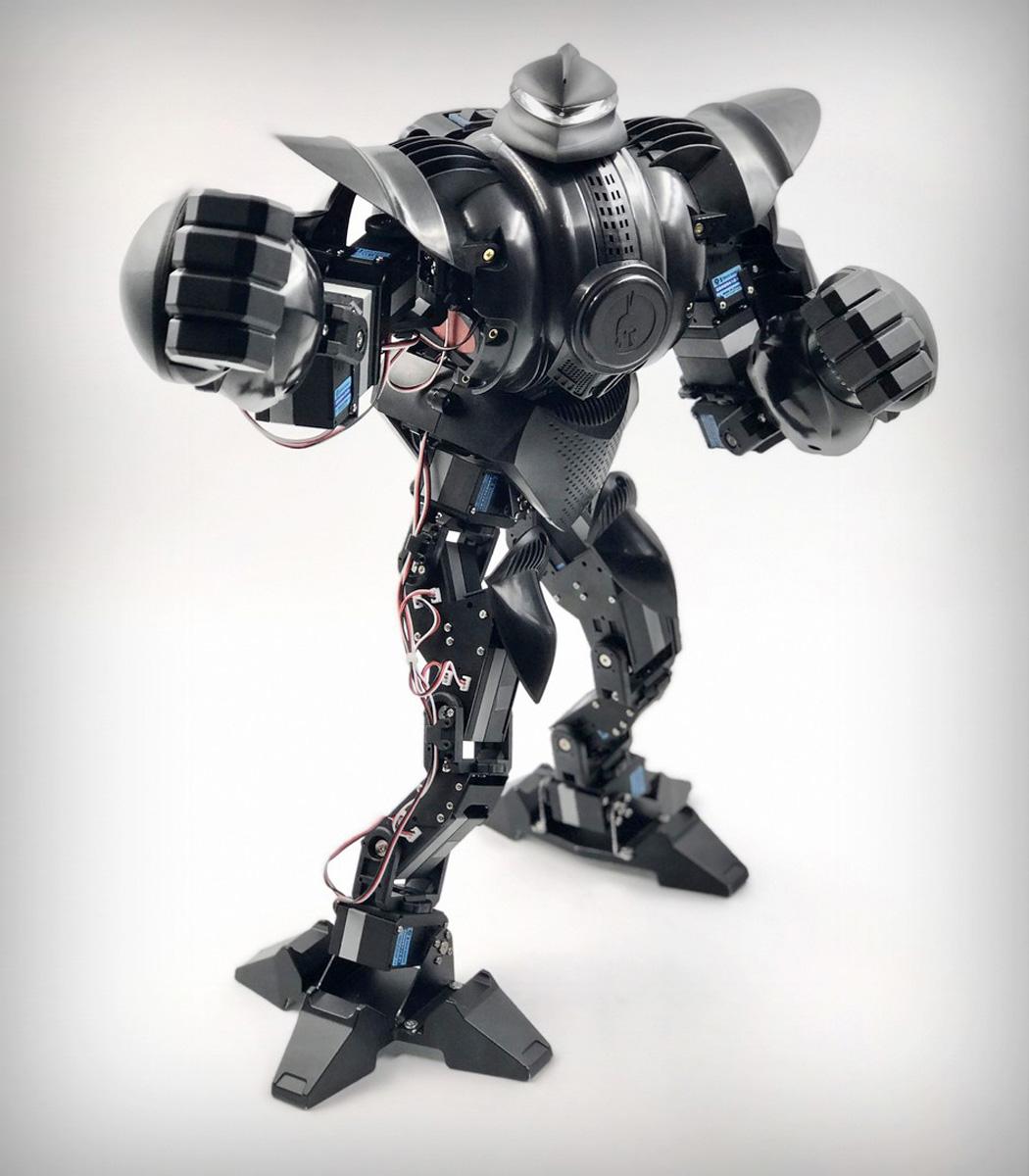 pilot_labs_zeus_battle_robot_03