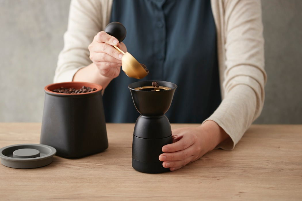 jia_coffee_grinder_01