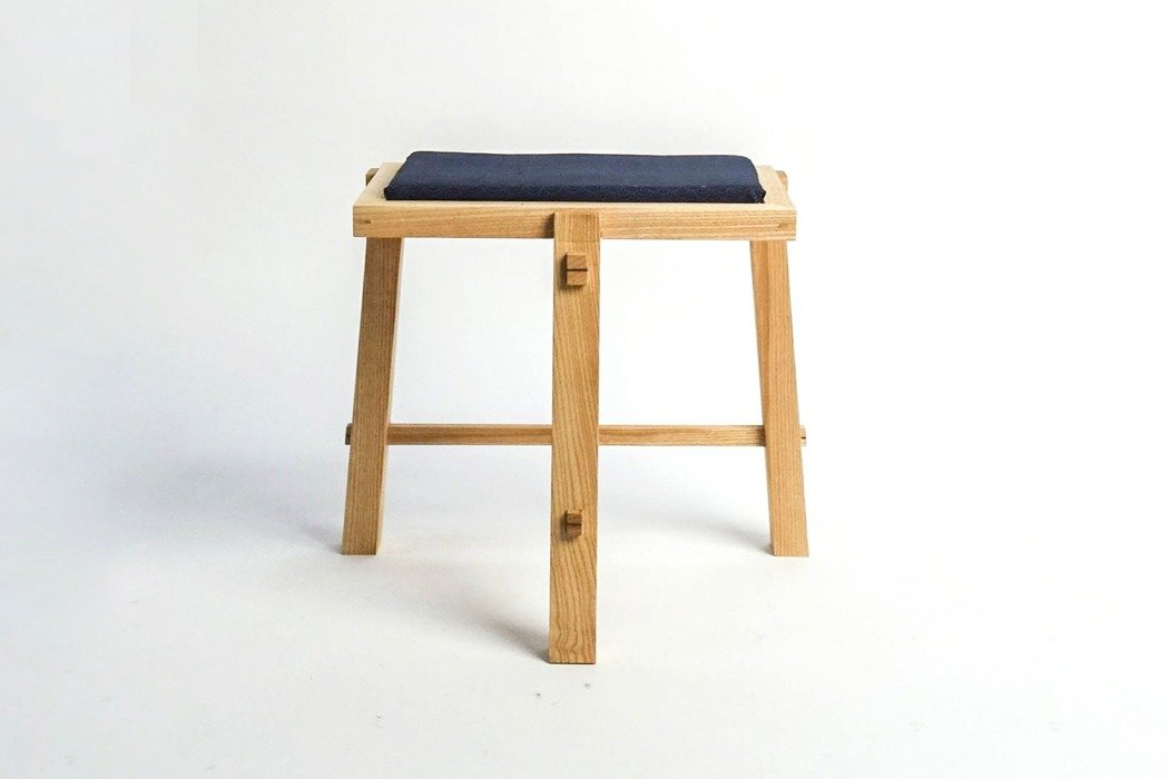 san_table_chair_02