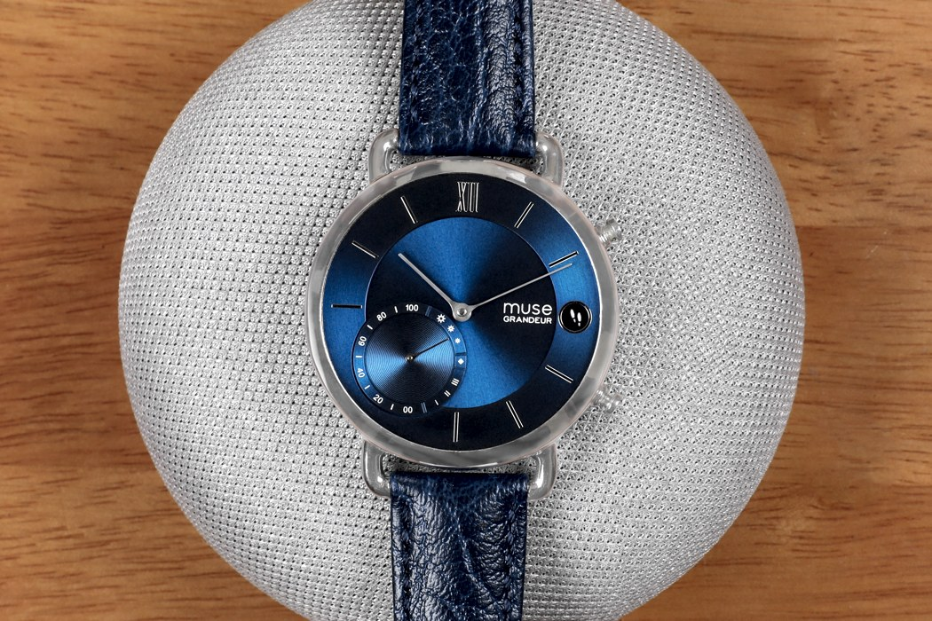muse_hybrid_smartwatch_02