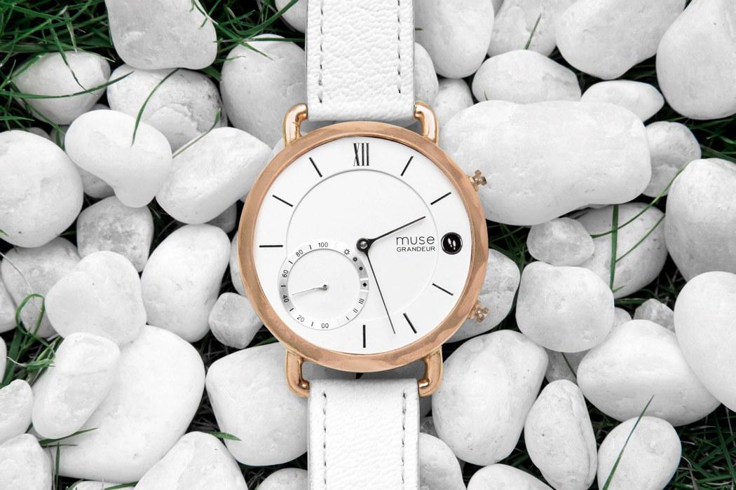 muse_hybrid_smartwatch_03